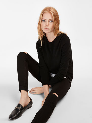 BLACK SKINNY FIT JEANS WITH SEAM AT THE KNEE