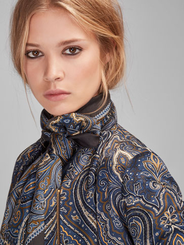 GREY SILK FOULARD WITH A PAISLEY PRINT