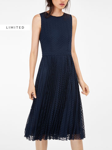 GUIPURE LACE PLEATED DRESS
