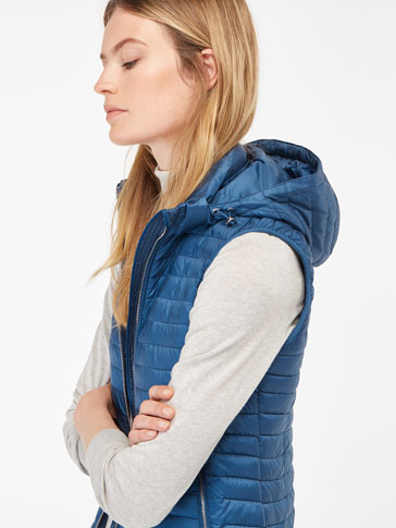 QUILTED GILET WITH HOOD DETAIL
