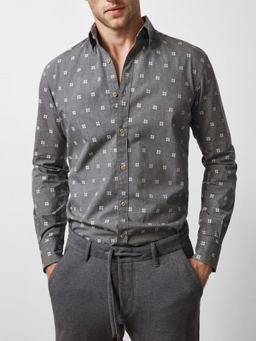 LIMITED EDITION GREY SHIRT WITH A JACQUARD DETAIL
