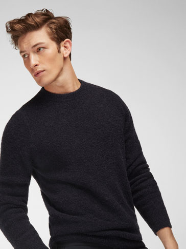 ROUND NECK FANTASY SWEATER