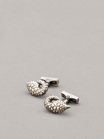 PERSONAL TAILORING ARMADILLO CUFFLINKS