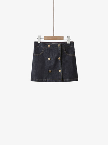 DENIM SKIRT WITH CROSSOVER DOUBLE BUTTON CLOSURE
