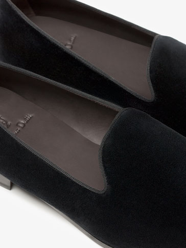 BLACK VELVET SLIPPERS