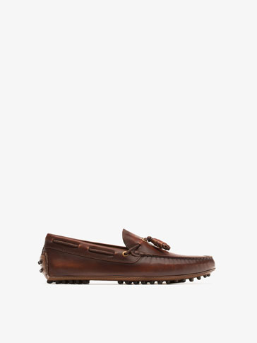 NAPPA LEATHER KIOWA MOCCASIN WITH TASSELS