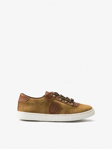 حذاء رياضي بدرع اصدار محدود