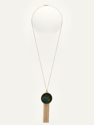 NECKLACE WITH POMPOM AND MARBLE-EFFECT DETAIL