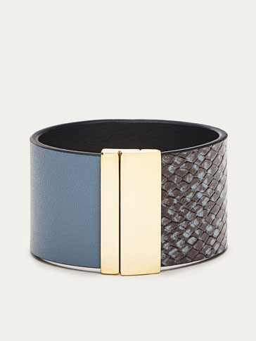 BLUE LEATHER ARM CUFF WITH FAUX SNAKESKIN FINISH