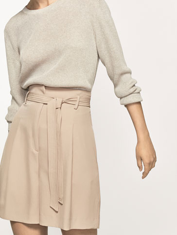 BERMUDA SHORTS WITH TIED DETAIL
