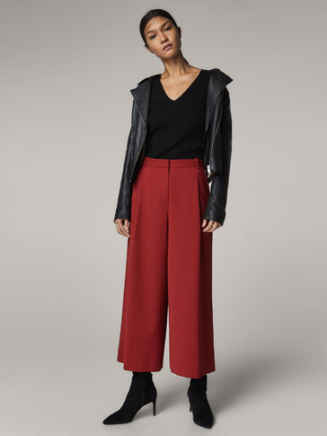 RED CULOTTE FIT TROUSERS WITH DARTS DETAIL