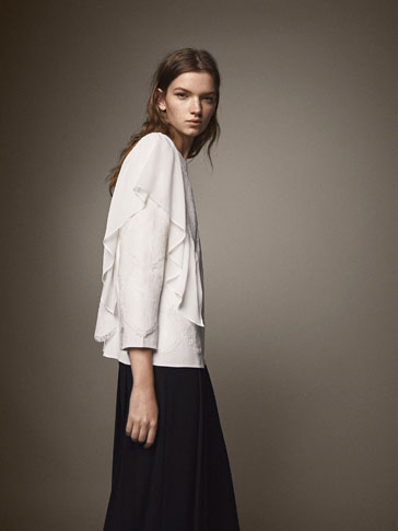 CREPE BLOUSE WITH LACE AND RUFFLE DETAIL