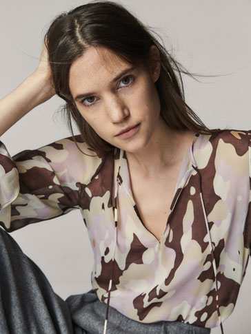 PRINTED SHIRT WITH BOW DETAIL
