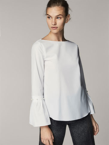 BLOUSE WITH FAUX PEARLS AND GATHERING