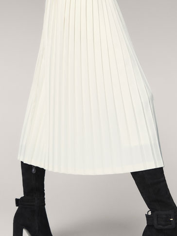 ECRU PLEATED SKIRT