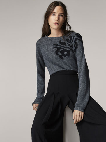 SWEATER WITH FLORAL JACQUARD DETAIL