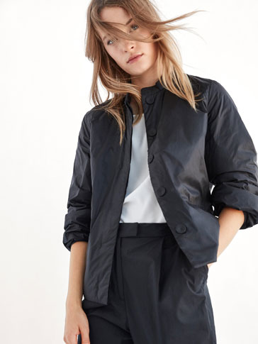 SOLID JACKET WITH FULL SLEEVE DETAIL
