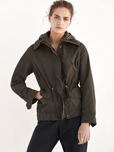 KHAKI PARKA WITH CONTRASTING DETAIL