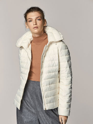 WHITE PUFFER JACKET WITH HOOD