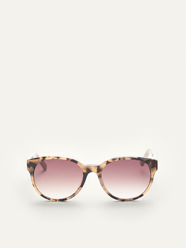 TORTOISESHELL SUNGLASSES WITH CONTRASTING DETAIL