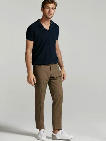 PANTALON CHINO PIQUE CASUAL FIT