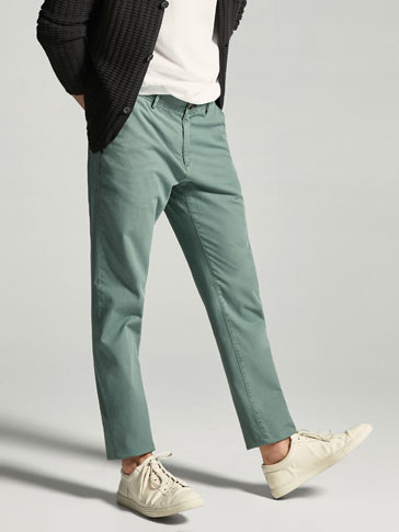 PANTALON TEXTURÉ STYLE CHINO SLIM FIT