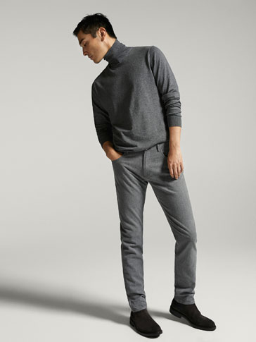 CASUAL FIT JEANS WITH MICRO-TEXTURED WEAVE