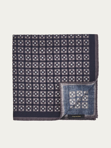 SILK POCKET SQUARE WITH SQUARED MOTIF