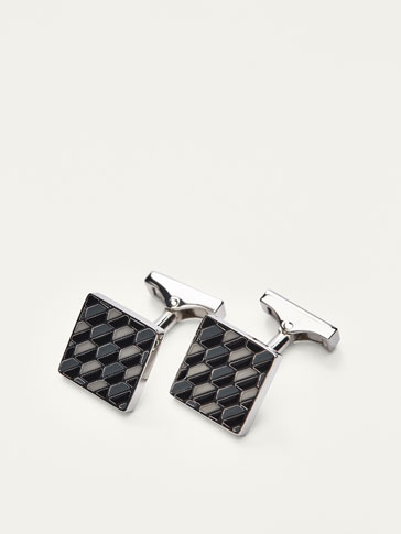 CUFFLINKS WITH GEOMETRIC PATTERN EMBOSSING