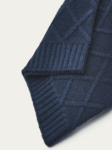 NAVY BLUE TEXTURED WEAVE SNOOD