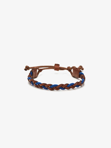 BRAIDED BRACELET WITH BLUE DETAIL