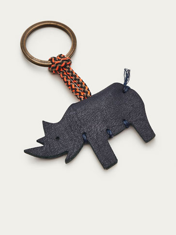 LEATHER KEYRING WITH RHINOCEROS DETAIL