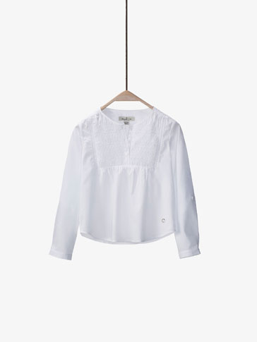 WHITE SHIRT WITH SMOCKED DETAIL