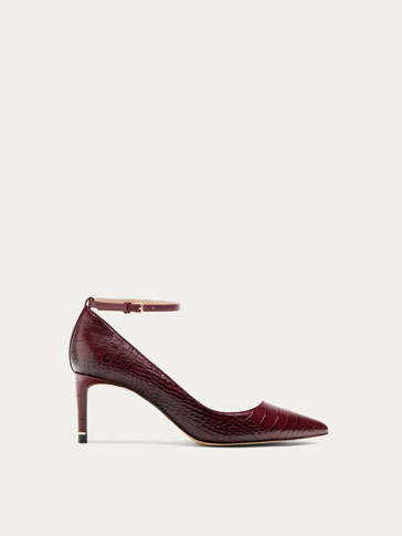 BORDEAUXROOD LEREN PUMP MET ANIMALPRINT