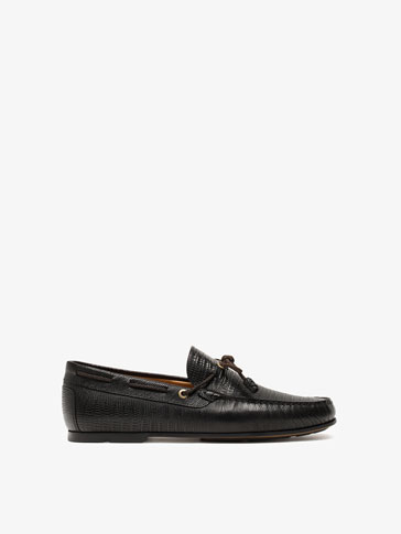 BLACK REPTILE-TEXTURE LOAFERS