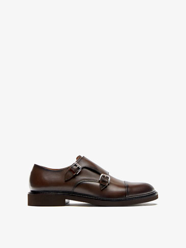 BUCKLED BROWN LEATHER SHOES