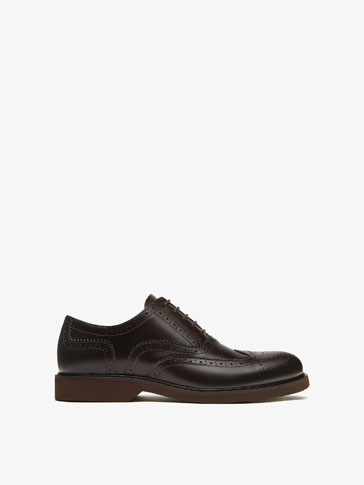 BROWN DIE-CUT LEATHER BROGUES