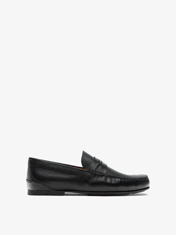 EMBOSSED BLACK LEATHER LOAFERS