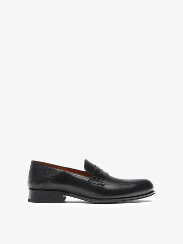 SMART BLACK LOAFERS WITH SADDLE STRAP