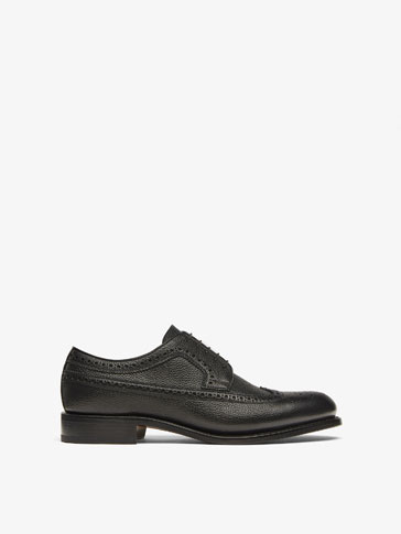 BLACK LEATHER BROGUES MADE IN ITALY