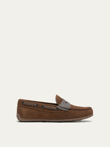 BROWN LEATHER LOAFERS WITH SADDLE STRAP DETAIL