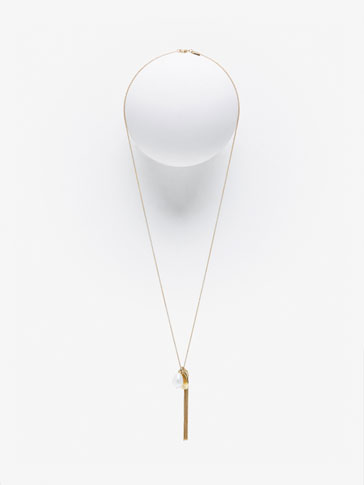 NECKLACE WITH PEARL DETAIL
