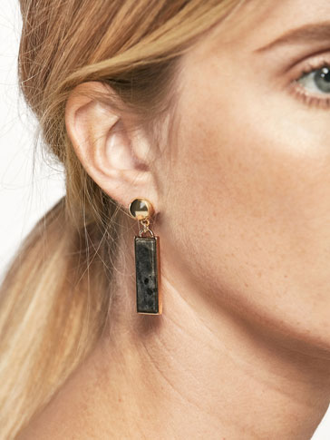 LONG EARRINGS WITH RECTANGULAR STONE DETAIL