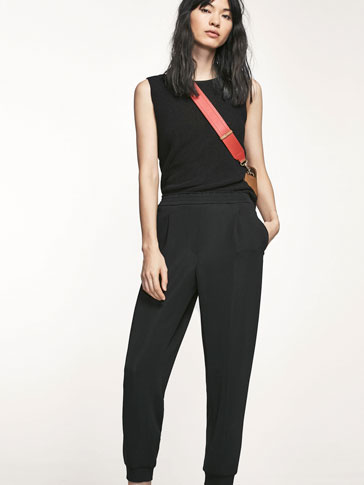 BLACK JOGGING TROUSERS WITH DARTS DETAIL