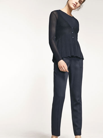 FLOWING TROUSERS WITH PLEATS DETAIL