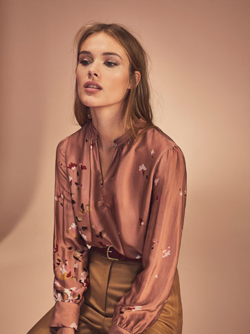 PINK SATIN SHIRT WITH POSITIONAL FLOWERS