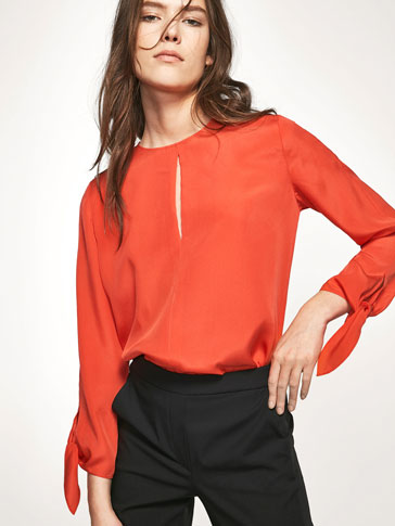 FLOWING BLOUSE WITH BOWS DETAIL