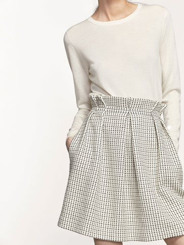 JACQUARD SKIRT WITH DARTS DETAIL
