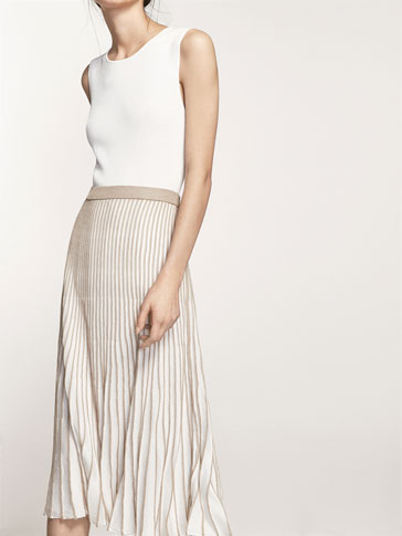 PLEATED SKIRT WITH CONTRASTING DETAIL