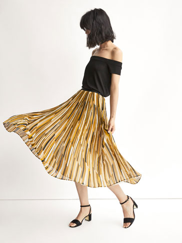 STRIPED ACCORDION-PLEAT SKIRT WITH GROSGRAIN DETAIL